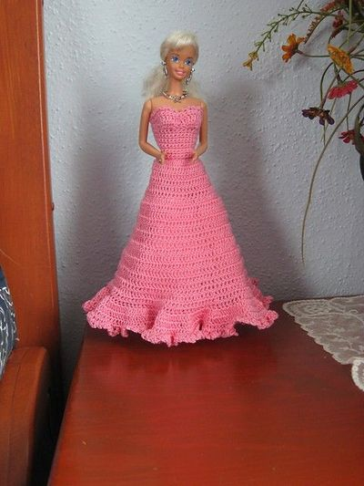 Crochet Barbie : Pics Photos - Crochet Barbie Dress Free Pattern More Barbie Clothing ...