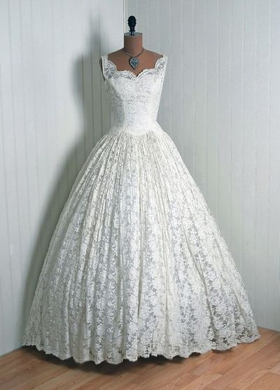 Couture wedding dress cahill beverly hills 1950 39 s ful for Beverly hills wedding dresses