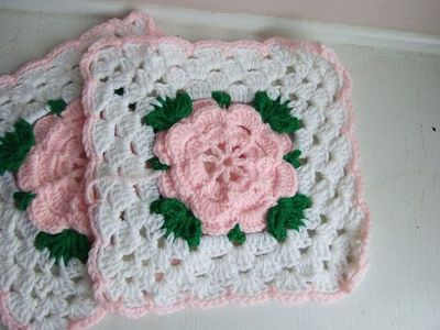 Crochet Rose Afghan Pattern : Rose Trellis Afghan - free crochet pattern / crochet ideas ...