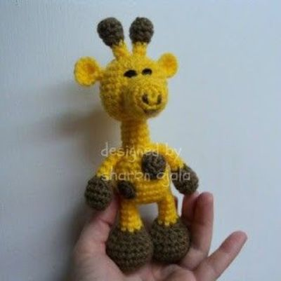 Amigurumi Hello Kitty Collection 1 : Amigurumi To Go!: Crochet Little Bigfoot Giraffe (amigur ...