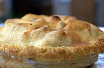 honey bourbon caramel peach pie by sassyradish, via Flickr