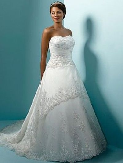African american women in wedding dresses gowns juxtapost for Plus size african wedding dresses