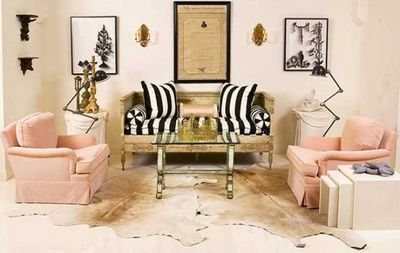 Girly glamour living room for the home juxtapost - Pink and gold living room ...