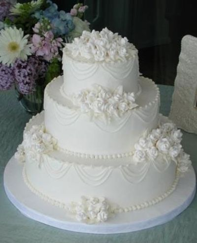 Traditional White Wedding Cake Wedding Ideas Juxtapost