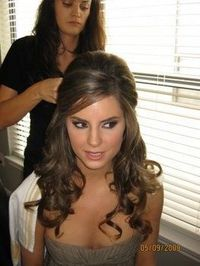 love this hairstyle for the wedding