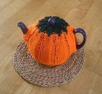 Just in time for autumn. Enjoy 8 #free knitting patterns with our special fall collection: 8 Knitted Pumpkin Patterns: Free Patterns for You to Make this Halloween!