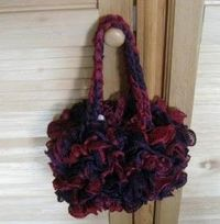 Free Ruffle Yarn Crochet Patterns : ruffle yarn bag with free pattern / crochet ideas and tips ...