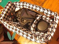 Tutorial - Sew Your Own Camera Bag (keep your camera safe in a fashionable purse, not an ugly camera bag)