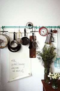 Love the organization, greenery, and that fab grocery list
