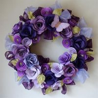 I am in love with this beautiful purple paper flower wreath!