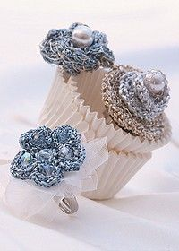 Free Pattern for Crochet flower rings.