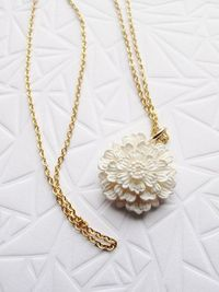 Tiny Full Bloom White Dahlia Vintage Pendant with Gold Tone Necklace! $9.99