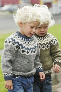 Lopapeysa - traditional Icelandic sweaters. (Cuuuuute kids!)