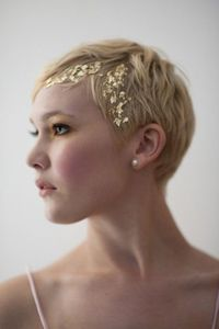 gold leafed.. nice idea for the short hair