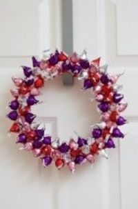 kisses wreath