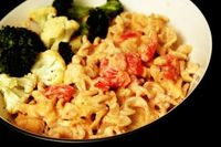 Low-Fat Chicken and Tomato Mac and Cheese