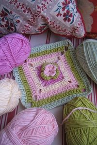 Gorgeous crochet at Do you mind if I knit?