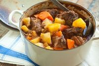 Beef Pot Roast // Easier to prepare than you think and a FABULOUS one-dish dinner! #recipes