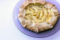 Drunken peach galette, a simple galette kicked up a notch with spiced rum! #dessert #pie #baking #sweet