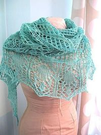 """#FreeKnittingPattern - This Glam Shells Pattern is the perfect project for summer! Click the image to get the free instant download of the pattern and click """"repost"""" if you love lace shawls!"""