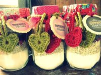 Cute crocheted hearts to wrap a jar mix!