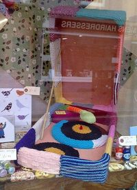 knitted record player. love